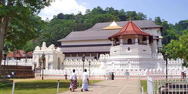 Храм Священного Зуба Будды