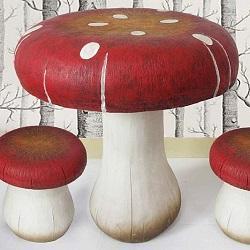 стол и стулья, гриб