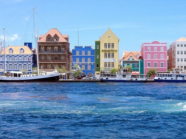 Виллемстад (Willemstad), Кюрасао, Карибские острова