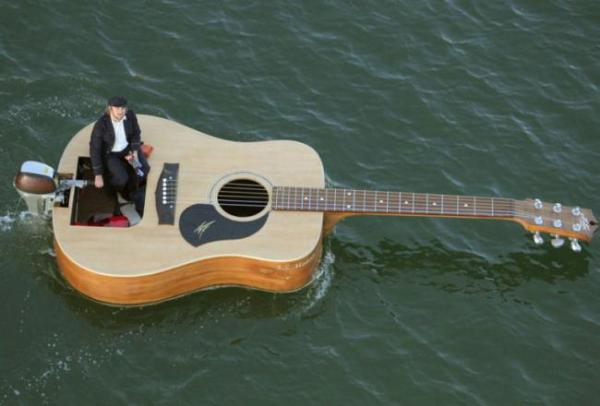 Лодка-гитара (Австралия)